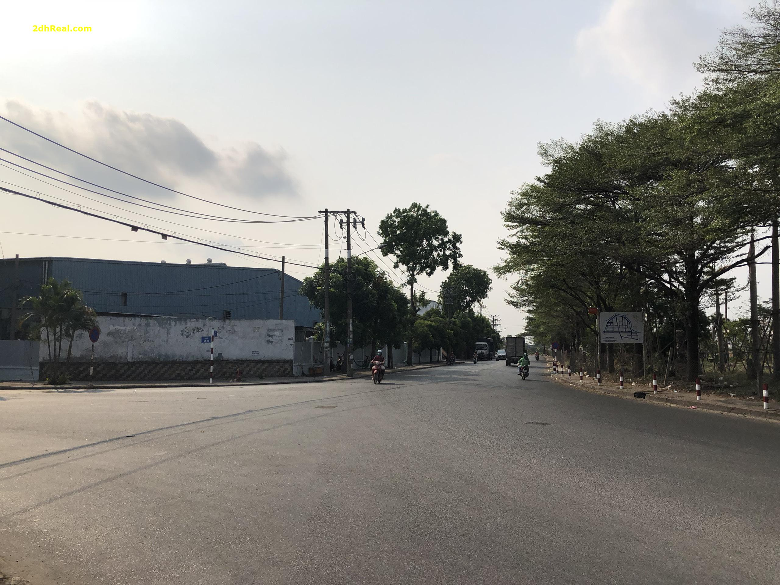 Bán nhà xưởng khu công nghiệp Tân Bình, Tân Phú, 15.500m2 giá 24tr/m2