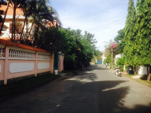 Bán nhà 138A Nguyễn Văn Trỗi, Q phú nhuận, mặt tiền 20m giá 100 tỷ