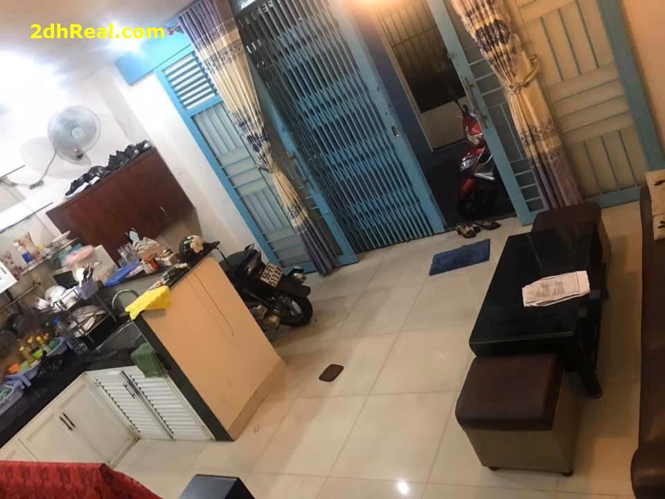 Bán Nhà Năm Châu # Tân Bình# Ngang 5,3m # 2PN giá chỉ 3,1 tỷ LH 0908781675.