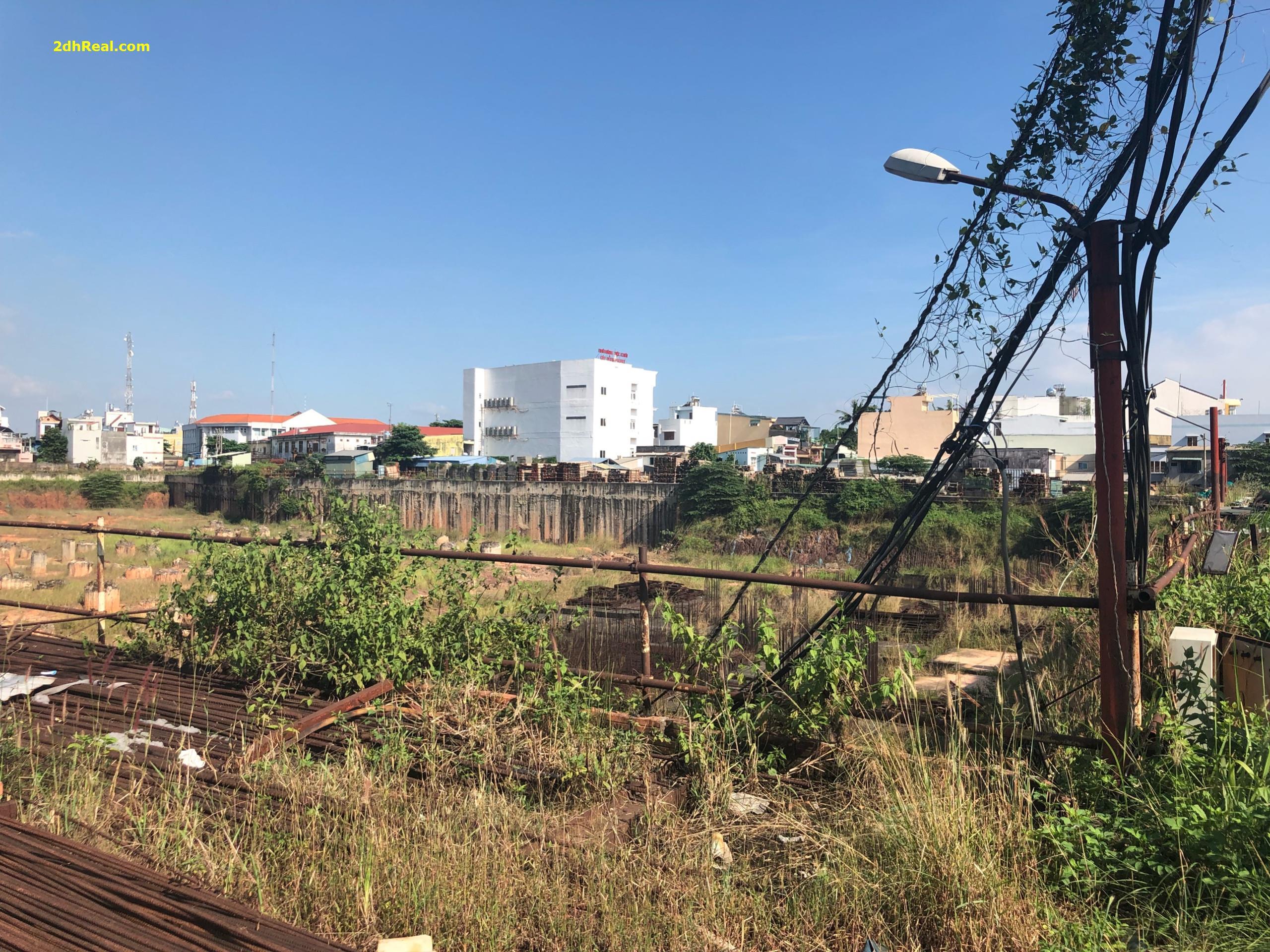 Chuyển nhượng khu đất 157.046,7m2 số 2 Trường Chinh quận Tân Phú giá 8tr/m2
