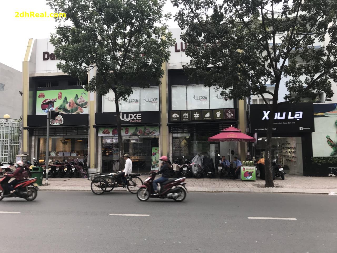 Cho thuê nhà mặt tiền số 199 Lý Chính Thắng phường 07 quận 3 Tp.HCM. 16mx12m Trệt + lầu 5.500$