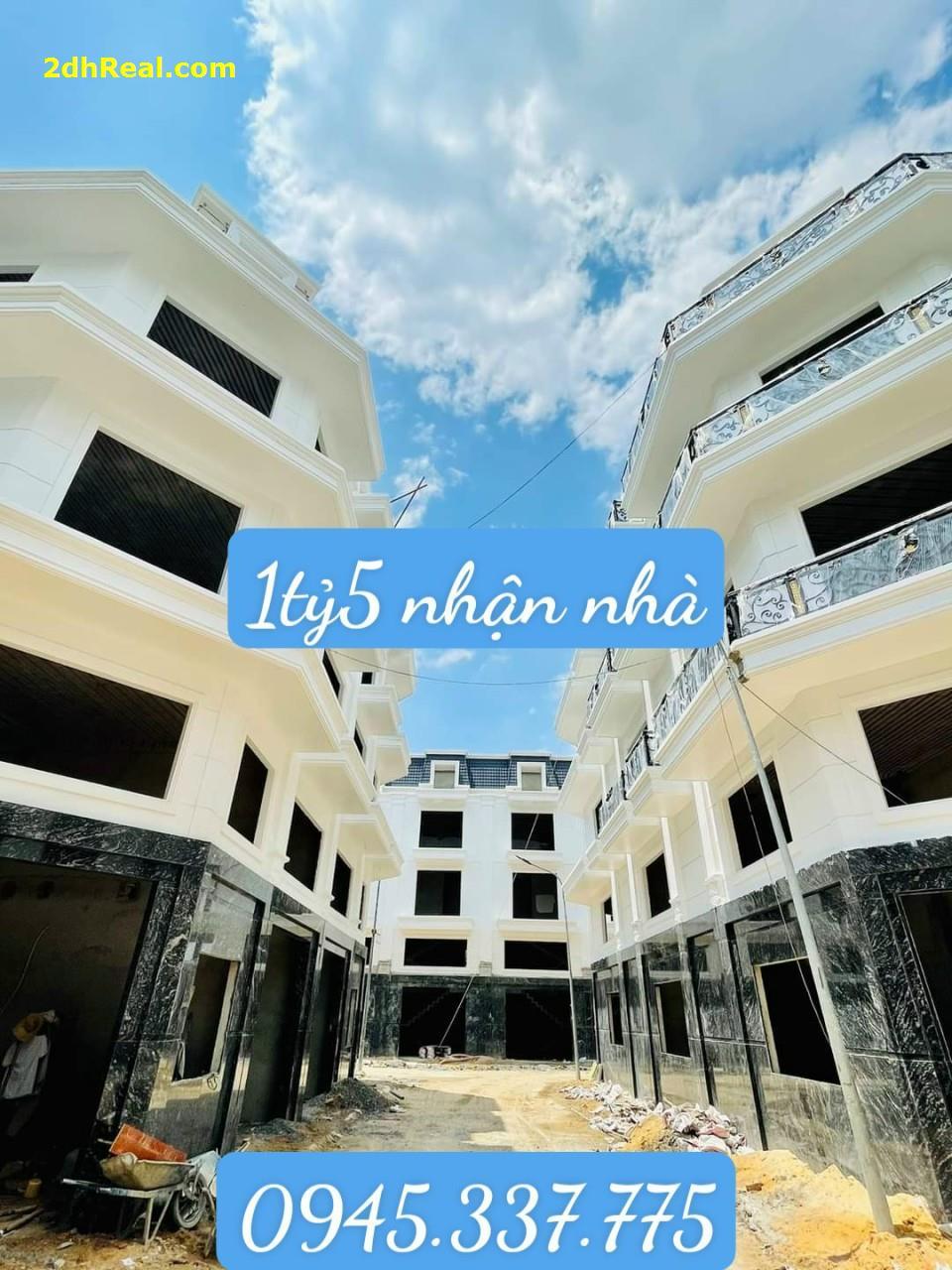 Cần bán nhà phố mặt tiền đường Thạnh Xuân 38 Q.12. DT50M2. Giá 4tỷ8