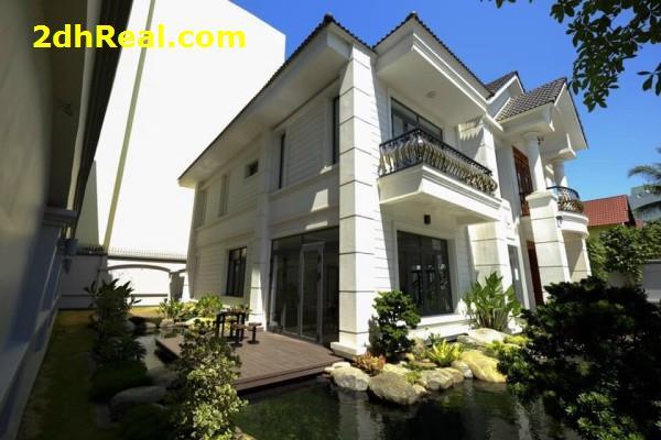Bán biệt thự Vip  đường Trần Não,P.Bình An, Q.2 DT:860m2.Giá 130 tỷ