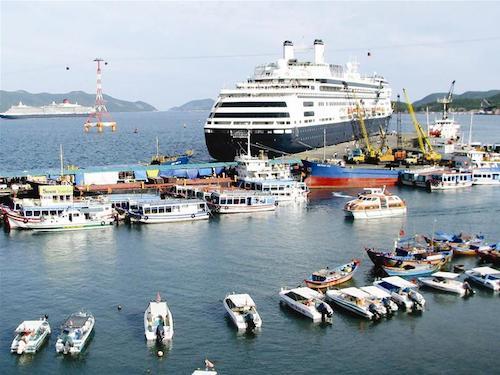 Phát triển ngành vận tải biển Việt Nam